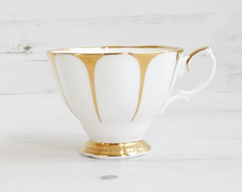 Vintage Royal Vale tea cup - Gold Gilt daisy Afternoon Bone China Cake Tea Serving