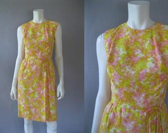Vintage 1960s Wiggle Dress - 60s Floral Print Dress