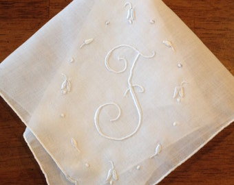 """Vintage Monogrammed """"F"""" Embroidered White Handkerchief Hanky bridal handkerchief, monogrammed hanky, vintage hanky, hanky, F initial"""