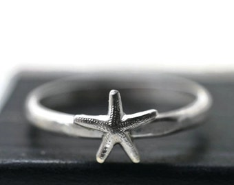 Tiny Starfish Ring, Dainty Silver Ring, Petite Pinky Ring, Silver Sea Star Ring, Animal Jewelry, Sea Star Jewelry