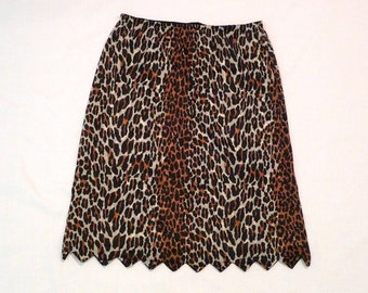 Vanity Fair Leopard Print Half Slip Vintage Scalloped Lingerie Skirt Medium 26 28 inch waist Length 23 1960s rockabilly Punk animal print