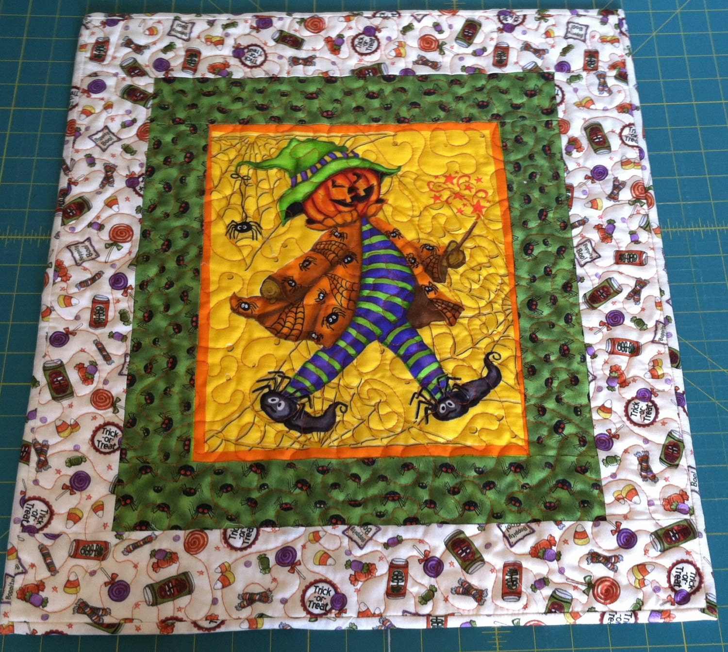 Halloween Quilt Wall Hanging Trick or Treat Jack-O-Lantern