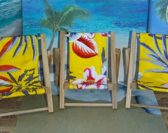 Small Yellow Tropical Print Cell Phone Chair Mamakohawaii