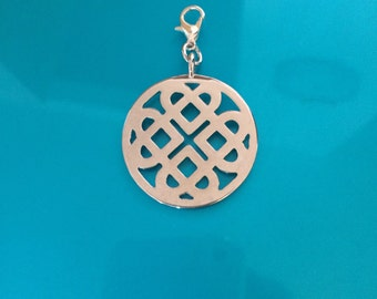 ONLY ONE!! Silver metal Celtic Knot pendant