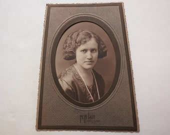 Antique Cabinet Card Portrait of A Woman With Long Pearl Necklace