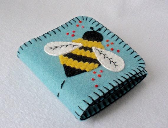 Felt Needle Book Bumble Bee And Flower Large Tri-Fold Needle