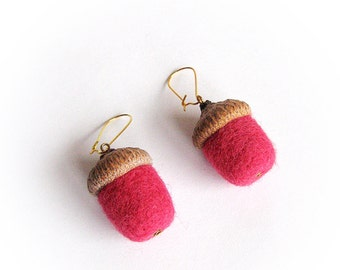 Pink wool felt acorn earrings Needle felted acorns Forest jewelry Nature accessory Woolen jewelry