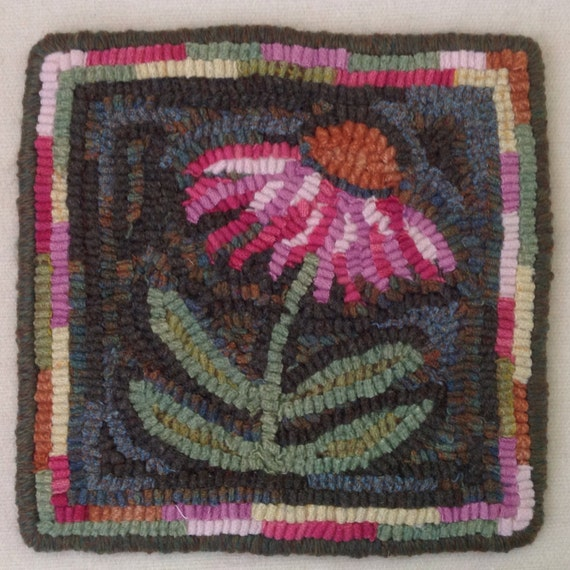 "Rug Hooking PATTERN, Coneflower Mat, 8"" x 8"", J939, DIY Rug Hooking Pattern, Primitive Rug Hooking, Wide cut rug hooking"