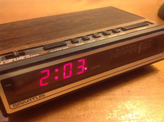 vintage digital clock radio alarm by spartus. Black Bedroom Furniture Sets. Home Design Ideas