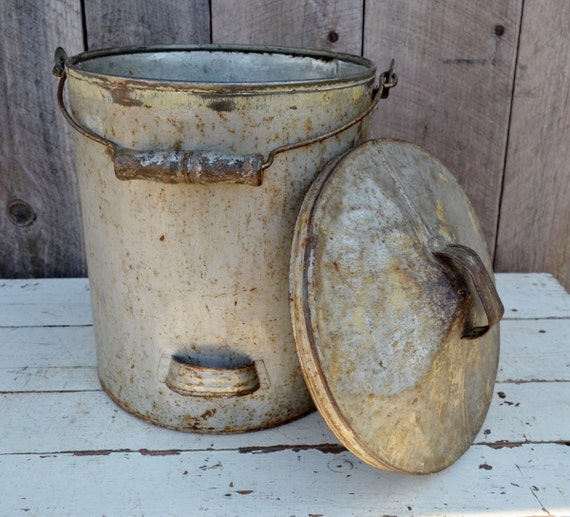 Vintage Metal Galvanized Bucket With Lid Wood Handle Pail Can