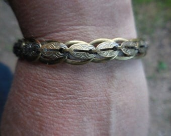 Vintage Gold Tone Germany 1940s to 1960s Engraved Looking Dainty Linked Bracelet