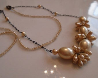 1920s Art Deco Faux Pearls Necklaces Metal Chain Large Bunched Pearls Long