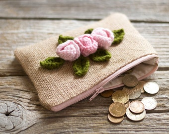 Country Chic Burlap Coin Purse with Crochet Roses, Shabby Chic Zippered Pouch, Countryside Fashion