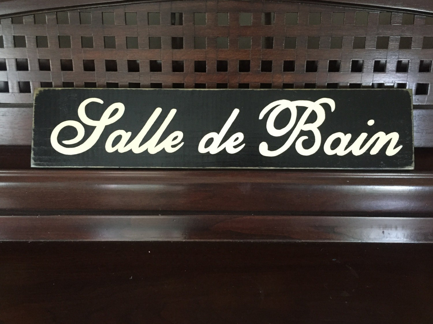 salle de bain paris apt french chic shabby bathroom sign. Black Bedroom Furniture Sets. Home Design Ideas