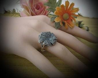 Fabulous Flower Shaped Ring Made of Solid 925 Sterling Silver (Stamped), Adorned with Tiny Bright Marcasites,  Size 8