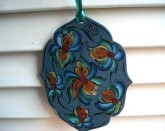 Fancy Norewegian Blue and Burnt Orange 2015 Rosemaled Ornament - Hanpainted in the Telemark style