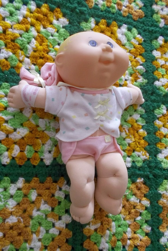 Hasbro 1992 Cabbage Patch Doll With Clothes And Hat By