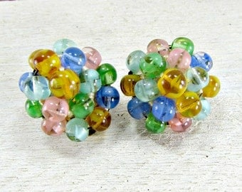 Vintage Pastel Cluster Earrings, Givre Glass Earrings, Glass Bead Earrings, Pink Blue Green Clip-on Earrings, 1950s Vintage Costume Jewelry