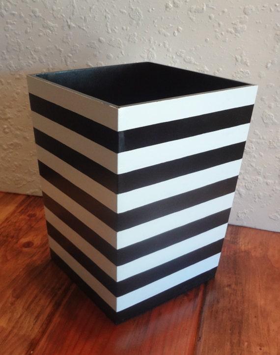 Black and white striped wastebasket horizontal stripes for Black and white striped bathroom accessories