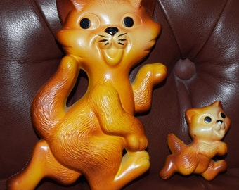 Miller Mama Cat and Kitten Wall Plaques