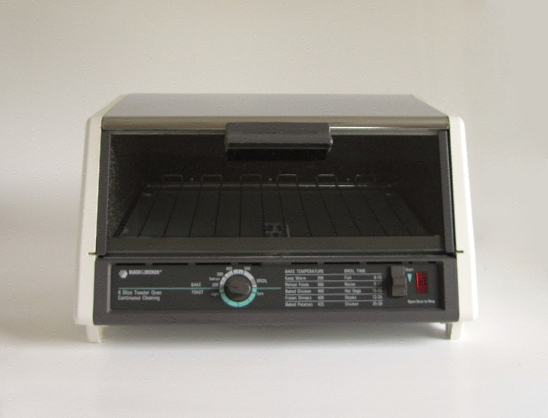 Black Amp Decker Toaster Oven Model T670 Ty2 6 Slice Continuous