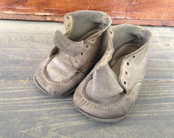 Vintage Childrens Shoes - Vintage Fabric - Vintage Photo Prop - Vintage Collectible Accessory