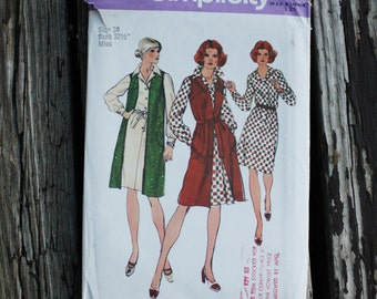 Simplicity 5907 1970s 70s Pointed Collar Dress with Long Vest Vintage Sewing Pattern Size 10 Bust 32.5