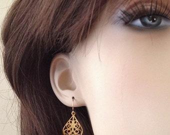 Gold Filigree Earrings -Gold Swirl Earrings -Tiny gold Earrings - Gold Moroccan Earrings