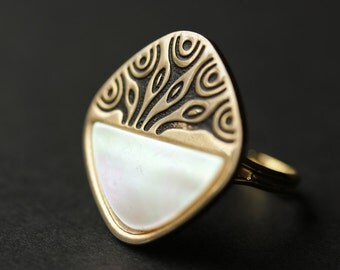 Mother of Pearl Ring. Organic Ring. Gold Ring. Shell Ring. Tree Ring. Button Ring. Adjustable Ring. Cocktail Ring. Handmade Ring.