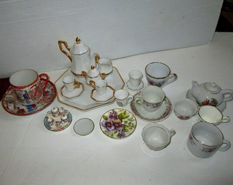 Large Lot Vintage Miniature Doll Tea Set China Occupied Japan Cups Saucers Many Sizes Ages