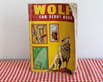 vintage 1969 WOLF cub scout book by boy scouts of America