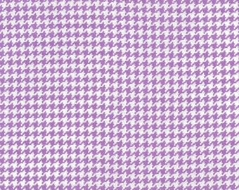 Michael Miller for quilt or craft Tiny Houndstooth in Purple half yard