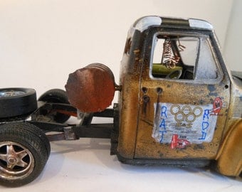 Rat Rod, Scale Model ,Truck by Classicwrecks , Black and Gold,Old School
