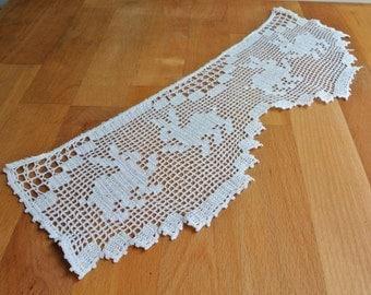 Natural Cotton Filet Crochet Edging featuring Rabbits.