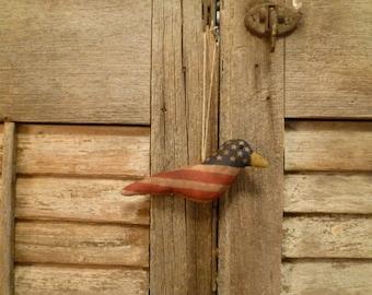 Primitive Americana Flag Bird Ornament ~~ prim Americana decoration, July 4th