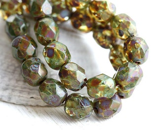 6mm czech glass beads - Olive green with picasso finish - Fire polished, olivine beads, round faceted spacers - 30Pc - 1331