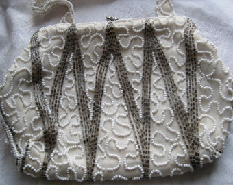 Pretty Vintage Walborg White and Silver Beaded Purse