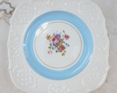 Washington Colonials Embossed Luncheon Plate  Made in USA  Circa 1950s
