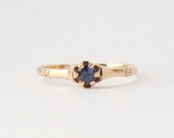 Antique Victorian Sapphire Ring. 14K Gold Solitaire. Size 8.5