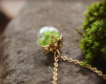 Green Wildflower Pendant, Miniature Terrarium Necklace, Vial Necklace, Real Flower Necklace, Nature Jewelry,Gold Plated Dainty Necklace