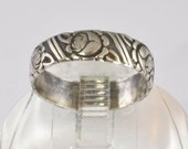 Vintage Ring - 1940s Sterling Silver Friendship, Sweetheart, or Wedding Ring - Cabbage Roses Design - Size 6.75 - Sterling Silver Jewelry