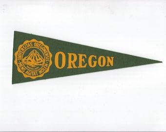 Vintage College Pennant OREGON University Small MINI Felt School Pennant Flag 1940s-1960s Dorm Collectible Sports Decor Man Cave