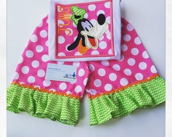 Disney Outfits, Boutique Disney Outfits, Girls Boutique Clothing, Goofy Ruffle Short Set