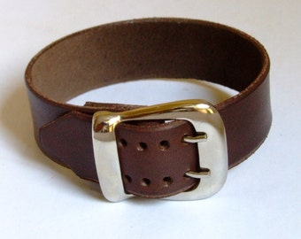 Thick leather buckle bracelet with double prong