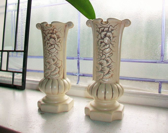 Red Wing Candlestick Holders Pair Ivory 1189 Vintage 1940s