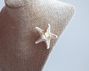 Beach Wedding Attire - Starfish Boutonniere, Dress Pin, Hat Pin - Natural Knobby Starfish Boutonniere - Beach Grooms Attire