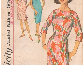 1963 - Simplicity 5203 Vintage Sewing Pattern Shift Dress Round Neckline Side Slits Dart Fitted Bust 34 36