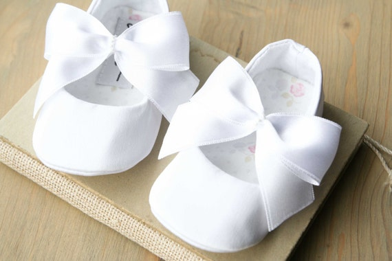 Christening shoes Baby girl shoes White baby shoes Ivory