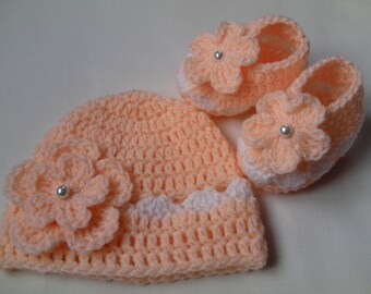 Crochet Baby Hat and Baby Booties beanie gift baby flower