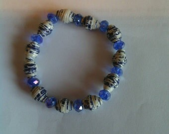 Blue and white paper bead bracelet